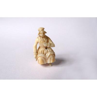 Small Miniature Sculpture Ivory Dieppe Woman Sitting Polletaise Nineteenth Century