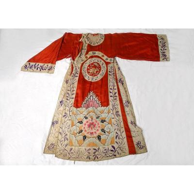 Robe Chinoise Soie Broderies Médaillon Fleurs Lotus Papillon Chine XIXème