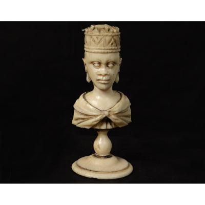 Chess Piece Ivory Carved African Queen Orientalist Crown XIXth