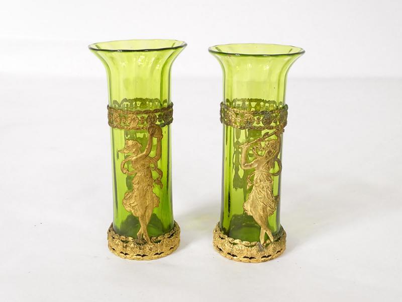 Paire De Vases Vert Laiton Doré Décor Femmes XIXè-photo-3
