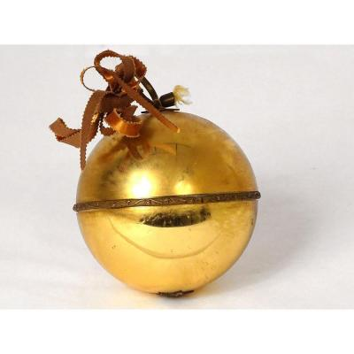 Decorative Musical Ball Golden Eglomised Glass Music End XIXth Century