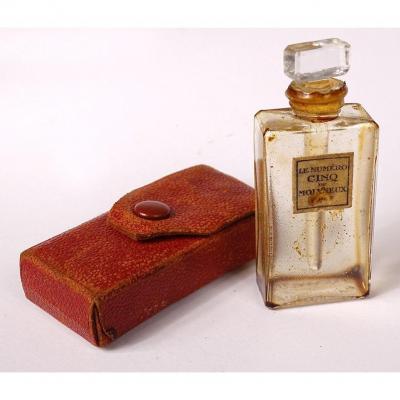 Petit Flacon de Parfum Miniature Molyneux Paris Numéro Cinq étui Cuir XXème