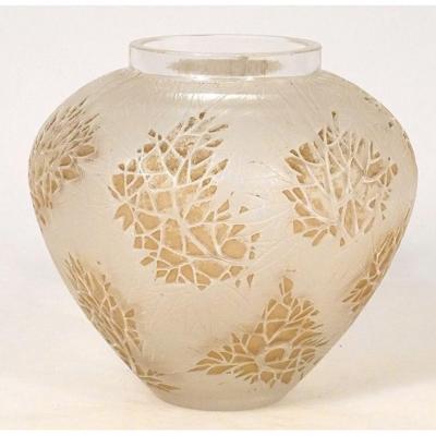 René Lalique Blown Molded Glass Vase Esterel Laurier-rose XXth Model