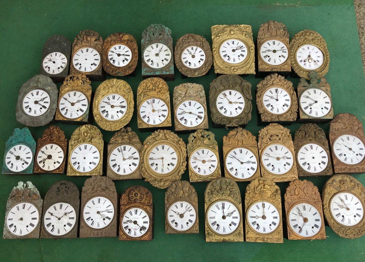Lot Of 35 Clocks
