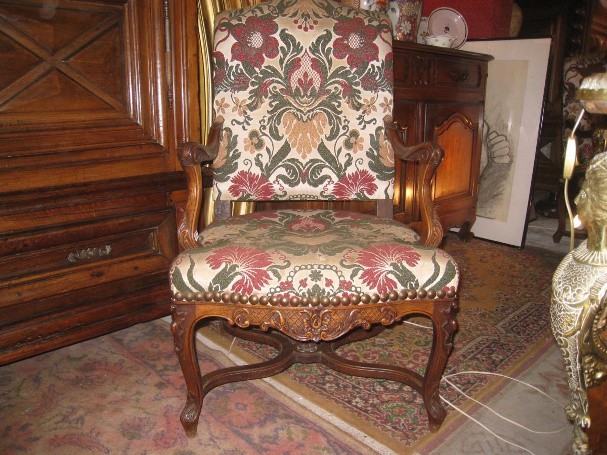 Paire De Fauteuils Style Régence XIXème