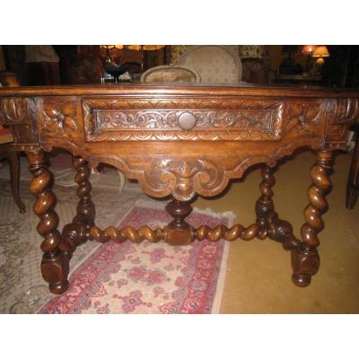 Table Louis XIII En Noyer Sculpté,XVIIIème Siecle