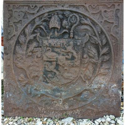 Plaque de Cheminée  17 ème   Armoiries De Dom Bernard De Montgaillard  (1563-1628) Belgique