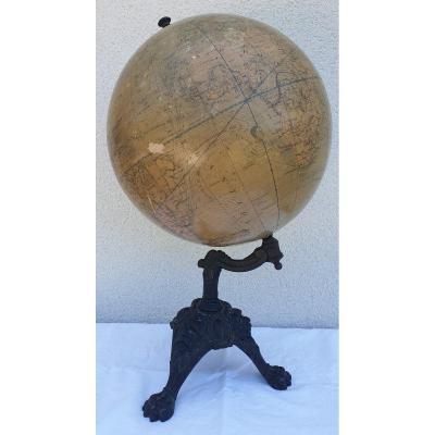 Globe Terrestre XIX E Siècle  illustrations ethnographiques