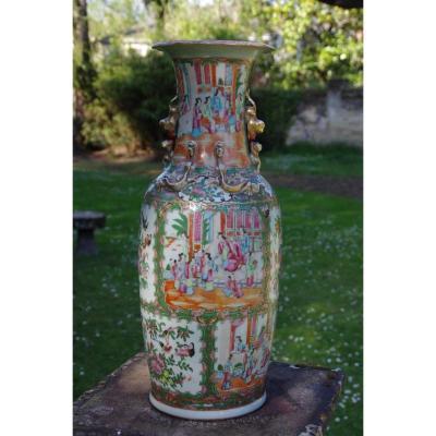 Grand Vase Balustre En Porcelaine De Canton