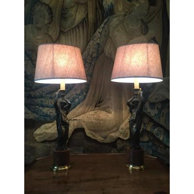 Paire De Pieds De Lampe En Bronze à Décor De Vestales