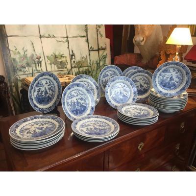 """Suite De 34 Assiettes En Porcelaine """"bleu/blanc"""" De La Compagnie Des Indes"""