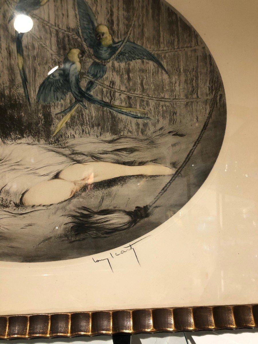 Superbe Gravure Louis Icart Femme Aux Trois Perroquets-photo-3