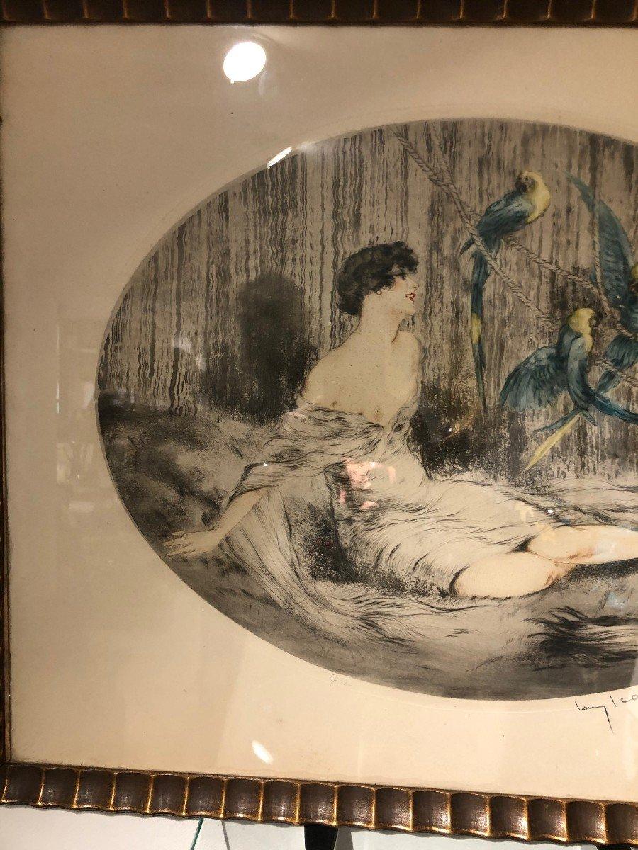 Superbe Gravure Louis Icart Femme Aux Trois Perroquets-photo-1