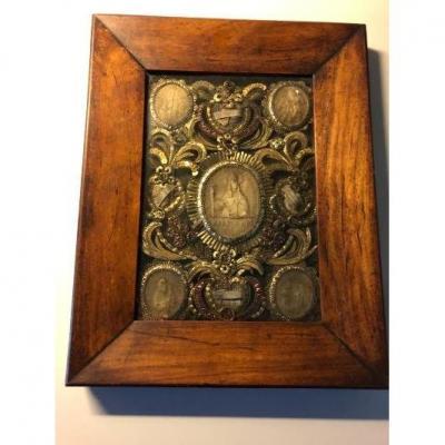 Reliquaire XVIII Médaillons En Cire  Et Or