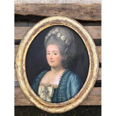 Portrait Ovale Femme Au Chapeau XVIII Cadre Doré