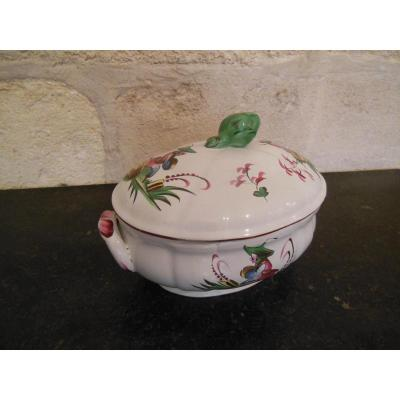 "In Earthenware Tureen ""islettes"""