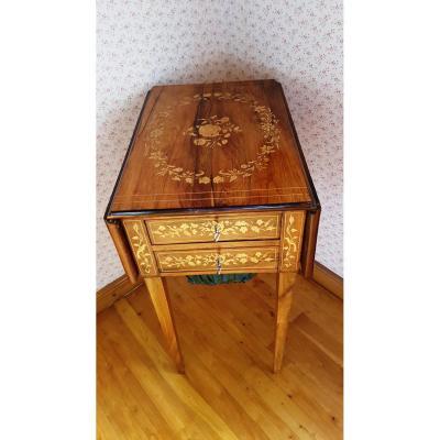 Petite Table d'époque Charles X