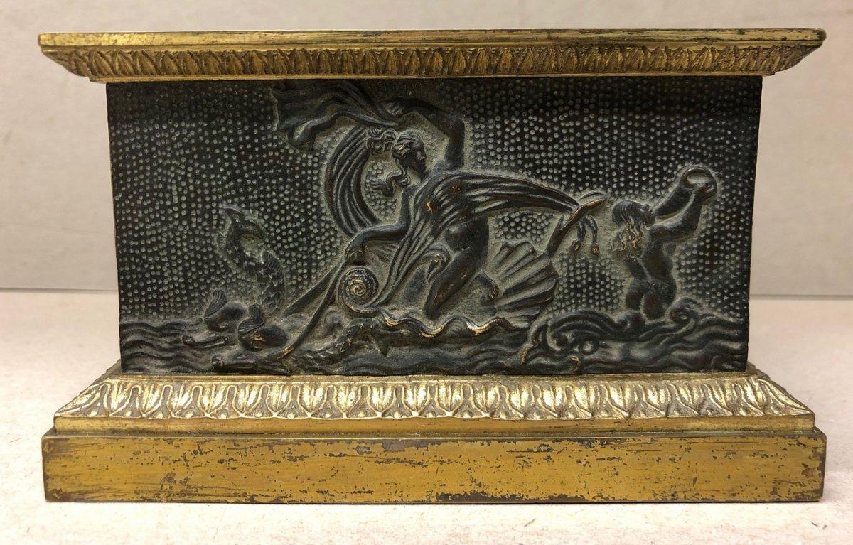 "Ink Restoration Bronze Representing ""the Triumph Of Venus"" XIX"