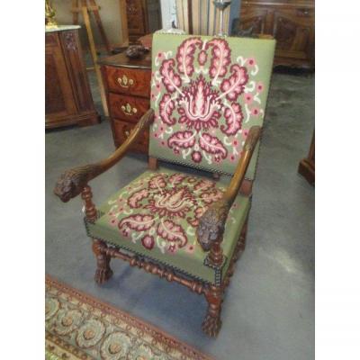 Lion Head Chair