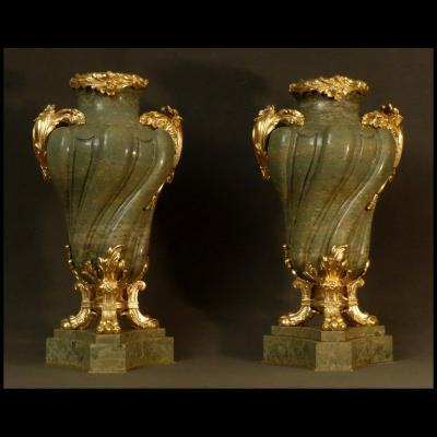 Paire De Grands Vases En Serpentine XIXème