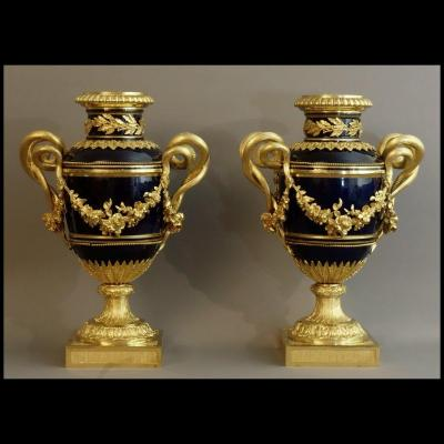 - Paire d'Importants Vases Louis XVI XIXème