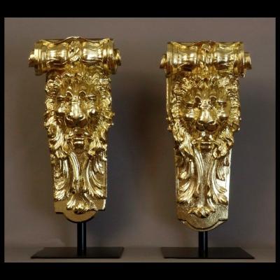 - Paire De Grandes Consoles Aux Lions XIXème