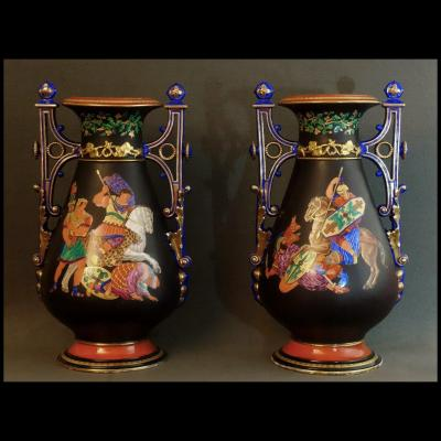 - Paire De Grands Vases En Porcelaine De Paris XIXème