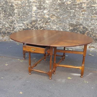XVIIth Light Oak Table