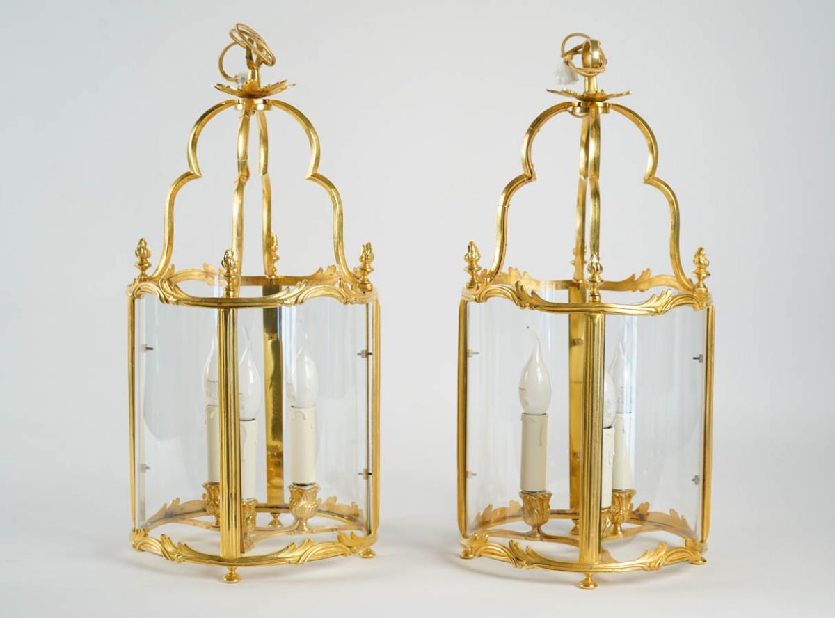 Paire De Lanternes De Style Louis XV.