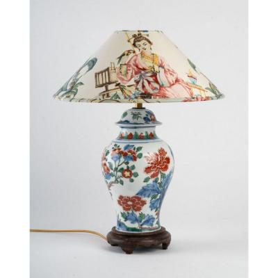 A Chinese Porcelain Lamp.