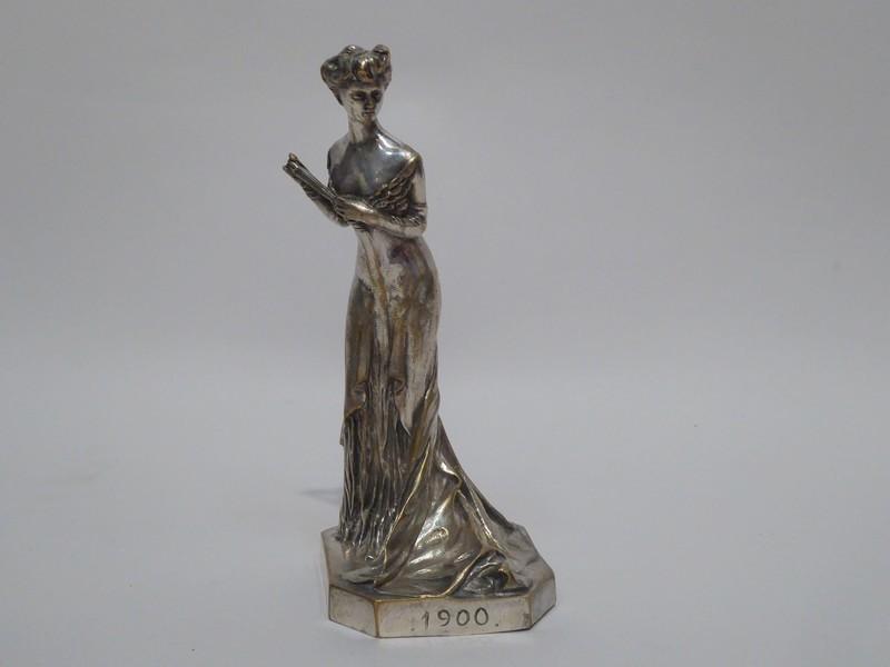 élégante à l'éventail En Bronze Argenté Art Nouveau De Henri Varenne