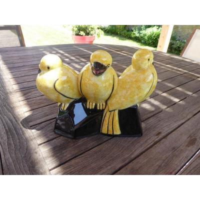 Craquelé sculpture En Céramique De Sainte Radegonde  Trois Oiseaux Sur terrasse