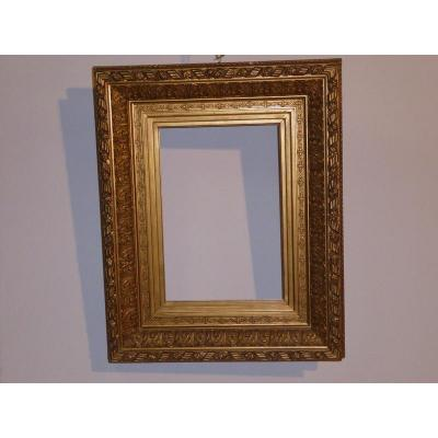 XIXth Frame In Wood And Golden Stucco