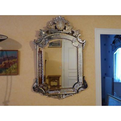Miroir Vénitien à Décor Gravé , Glace Biseautée Vers 1900 Haut 120 Cm