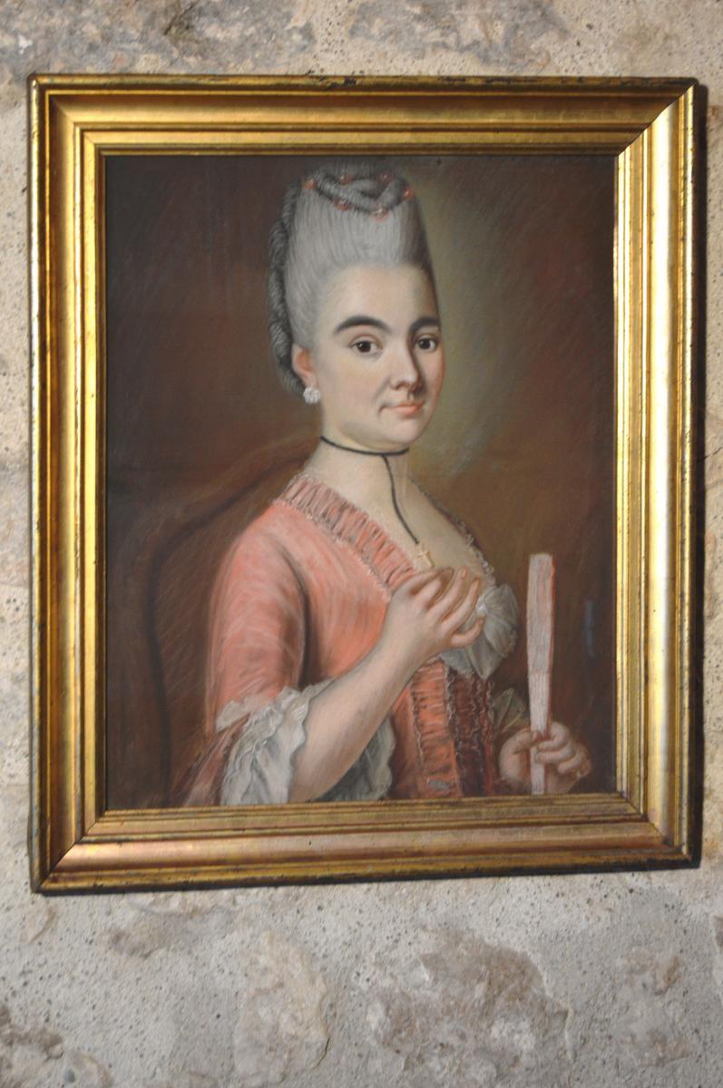 Pastel, Portrait d'Une Jeune Femme à l'éventail