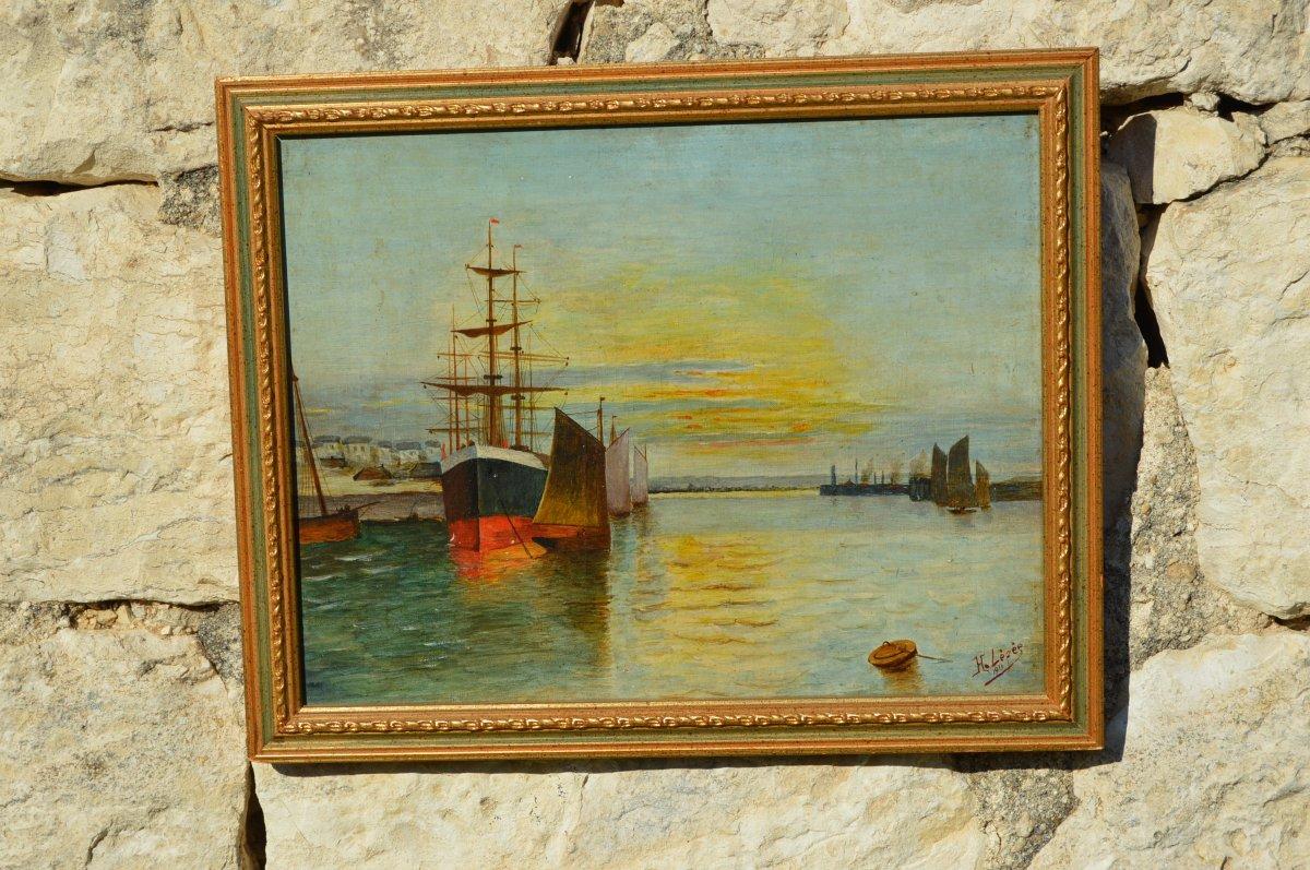 Marine, vue d'un port signée  H. Lépée