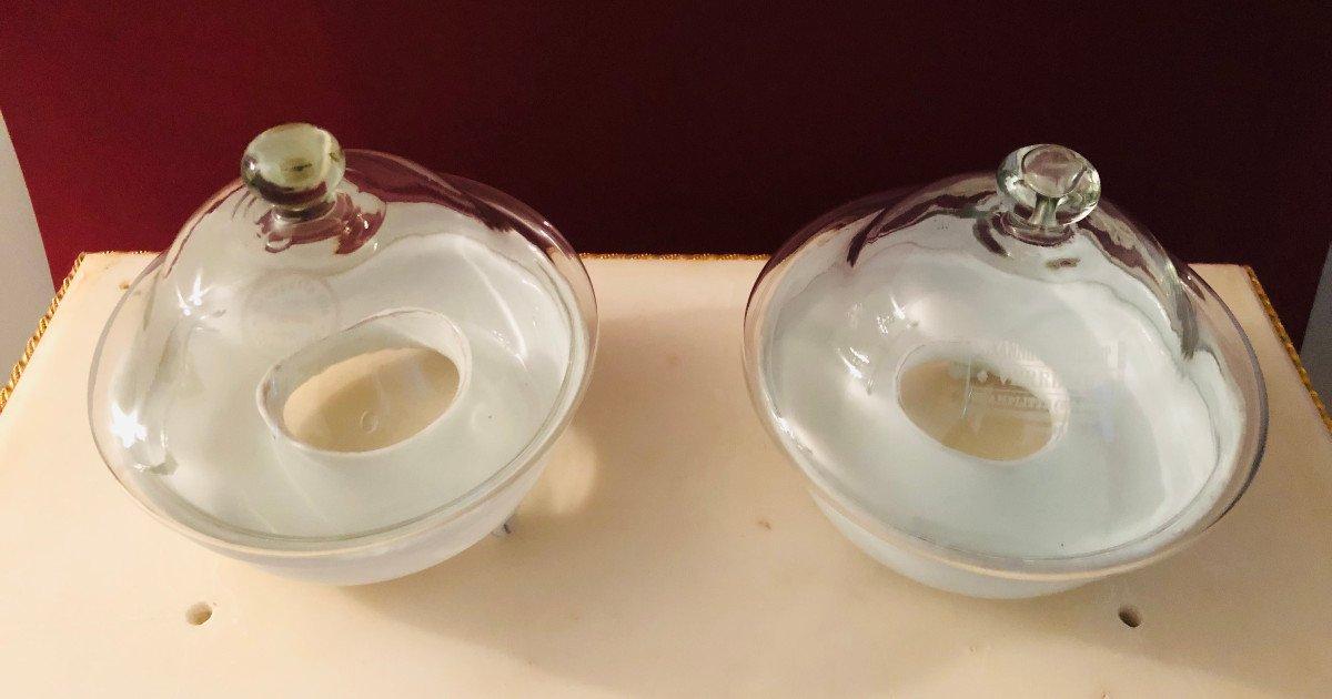 Paire de gobes-mouches en opaline et verre soufflé