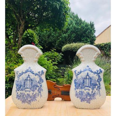 Paire de vases craquelés de forme violonée