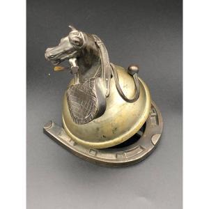 Sonnette de table thème cheval / chasse.