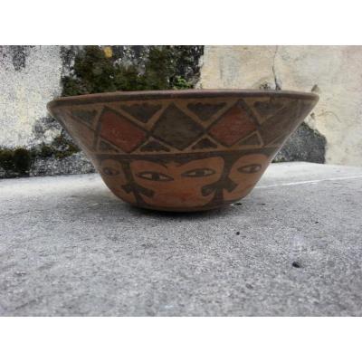 Terre Cuite. Amérique Du Sud. Nazca. 600 Ap. J.c.