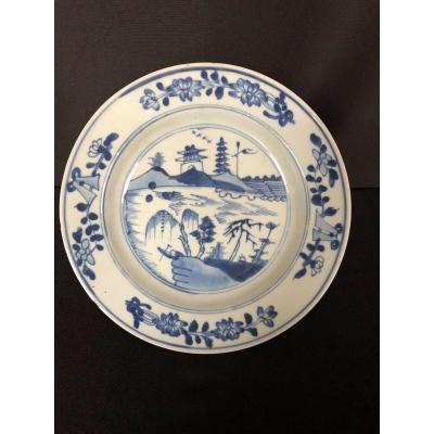Assiette Porcelaine Bleu Et Blanc Chine Decor Floral Pagode 18eme