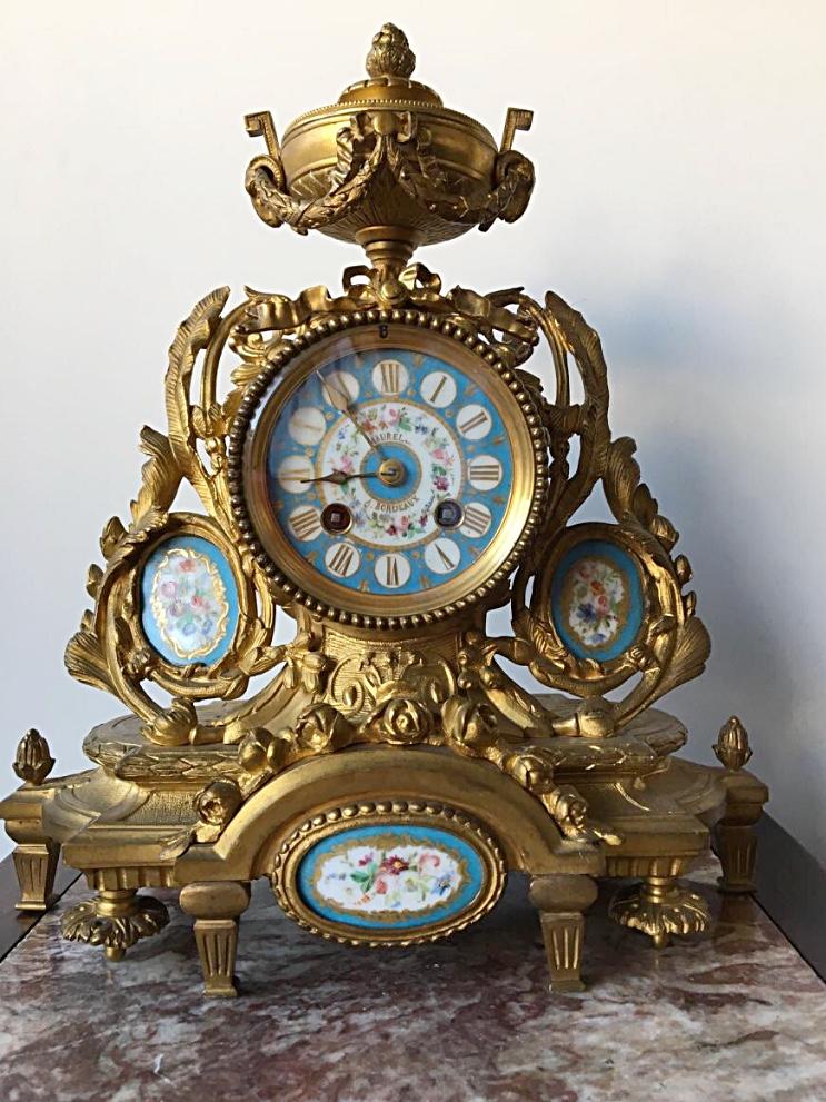 Pendule En Bronze Doré Et Plaques De Porcelaine, XIXème