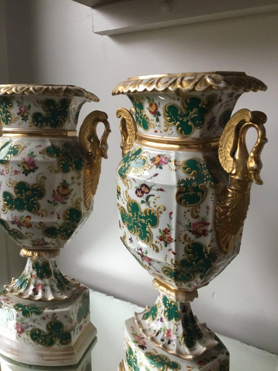 Paire De Vases Porcelaine De  Paris , époque Charles X