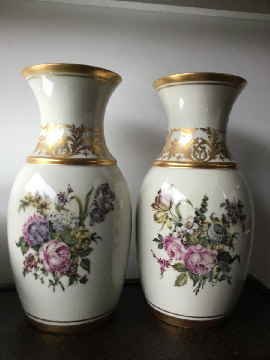 Grande Paire De Vases En Porcelaine Au Vase Étrusque