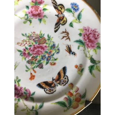 Assiette  Porcelaine Aux Papillons Et Aux Fraises, Canton , Chine, XIXème