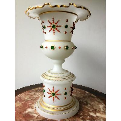 Vase Medicis En Opaline Et Cabochons, Napoléon III