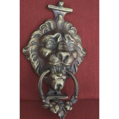 Bronze D'ameublement , Poignée De Tirage Au Mufle De Lion