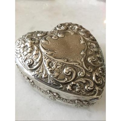 Boîte Coeur  En Argent Du XIXème Siècle
