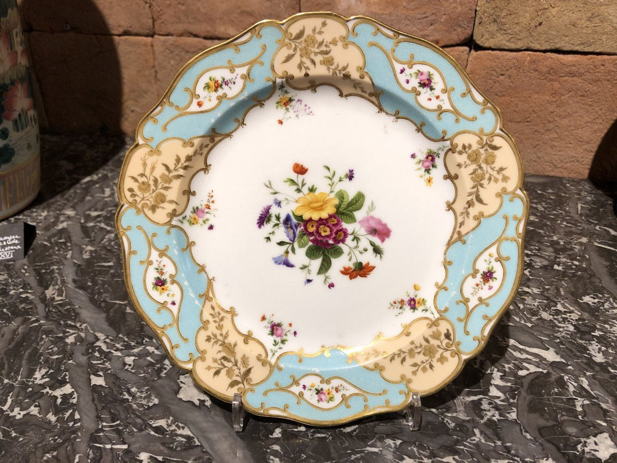 Paris Porcelain Plate Signed E. Honored Early 19 Th Time
