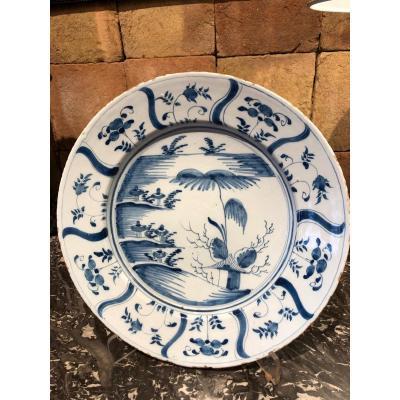 Plat En  Faïence De Delft En Camaïeu De Bleus  époque XVIII Eme